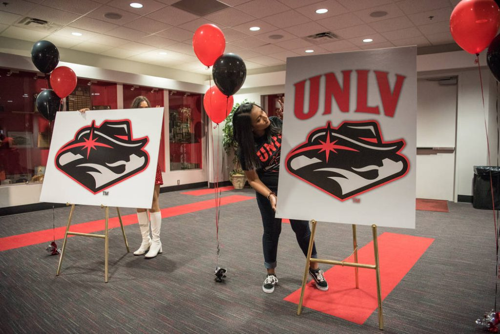 Unlv Should Admit Mistake Start Over New Logo Las Vegas Review
